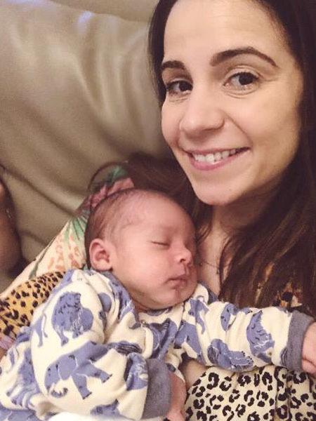 Beatriz Rezende e bebê, puerpério na quarentena
